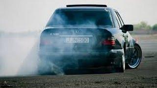 getlinkyoutube.com-Mercedes-Benz w124 Brutal Drift & Burnout ✔