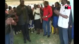 getlinkyoutube.com-RAW VIDEO! Uhuru and son walk from State House for dance next door