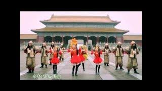 getlinkyoutube.com-[Q-Genz 巧千金] 春风催花开 -- 新年乐满贯 (Official MV)