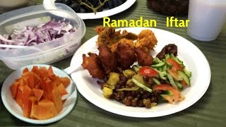 getlinkyoutube.com-Iftar in Ramadan the First Day with Traditional Items - Informal One