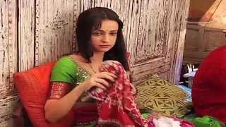 getlinkyoutube.com-Sanaya and Ashish in fun mood - Rangrasiya Behind The Scenes glimpses