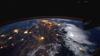 getlinkyoutube.com-HD EARTH ISS SPACE STATION DREAMSCENE
