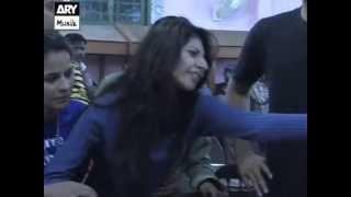 getlinkyoutube.com-Cat Fight (Mehwish Slaps Aroosa) Episode 17 (HD) 23 May 2013