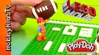 getlinkyoutube.com-PLAY-DOH SUPER BOWL LEGO Minifig Emmet vs Secret Police, Half Time Game by HobbyKidsTV