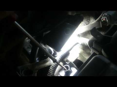 Где масляный щуп в Mercedes Вито