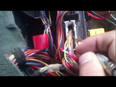 Jak podłączyc sterownik centralnego zamka w BMW E34 M50B20 90r