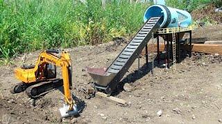 getlinkyoutube.com-RC ADVENTURES - GOLD Mine Trommel & 4200XL Excavator, Radio Controlled