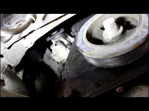 Замена помпы системы охлаждения ... C Crosser 2,4 Ситроен Си Кроссер 2007