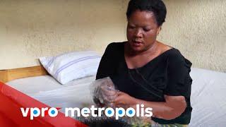 getlinkyoutube.com-Plastic bag as a condom in Congo - vpro Metropolis