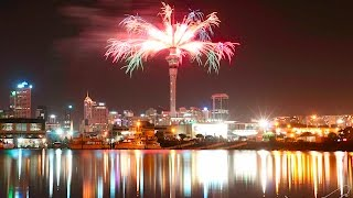 New Year's Fireworks 2017 Auckland New Zealand 01/01/2017