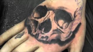 getlinkyoutube.com-Timelapse skull tattoo on the hand.