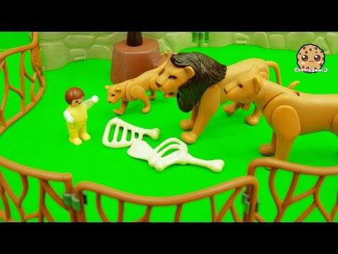 Baby Gets Lost At Playmobil City Zoo And Crawls In Animal Cages - Toy Play Video