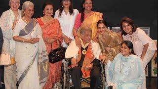 "getlinkyoutube.com-Shashi Kapoor gets ""DadaSaheb"" Phalke award Moments Watch Out Full Video Coverave!"