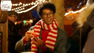 getlinkyoutube.com-Gadget Man's Guide to Christmas: Robert Webb & Richard Ayoade get festive