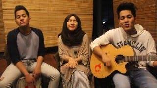 getlinkyoutube.com-Hivi - Siapkah Kau Tuk Jatuh Cinta Lagi (cover by Apple Tree)