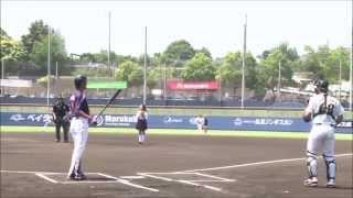 getlinkyoutube.com-現役女子高生の飛び蹴り始球式!どよめき&大拍手!(HD)