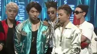 getlinkyoutube.com-GD & SEUNGRI ARE FORCED TO STAY APART FROM EACH OTHER ON STAGE! MCD UP NEXT 빅뱅 TV 07.05.15