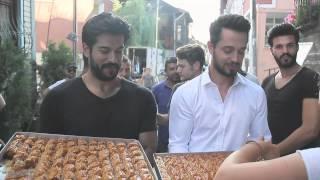 getlinkyoutube.com-Sete Bayram Burak Özçivit ve Murat Boz ile Geldi