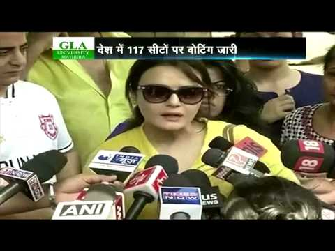 Preity Zinta, Aamir Khan, Vidya Balan,Kamal Haasan,cast their vote