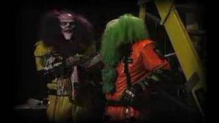 getlinkyoutube.com-Even Monsters Hate Clowns!