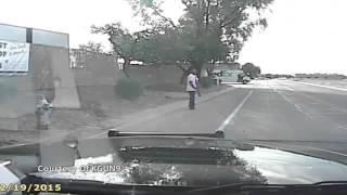getlinkyoutube.com-Mengerikan, Rekaman Mobil Polisi Tabrak Pejalan Kaki Beredar di Dunia Maya   Video Liputan6 com