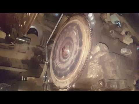 HONDA CRV 3. замена заднего сальника коленвала или как снять коробку