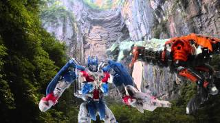 getlinkyoutube.com-Stop Motion Optimus Prime tames the Dinobots from Age of Extinction