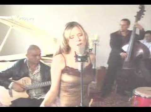 Pamela Rodriguez - Cardo o Ceniza