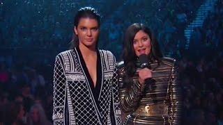getlinkyoutube.com-Kendall & Kylie Jenner Get BOOED at the 2015 Billboard Music Awards!?!?!