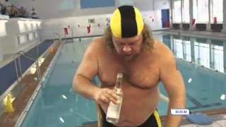 getlinkyoutube.com-Swimming in the pool after using a bottle of vodka