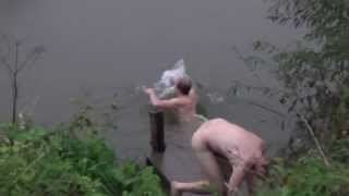 getlinkyoutube.com-Закаливание. Плавание в реке Осётр