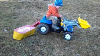Hračky za šlapací traktory které si jen tak nekoupíte