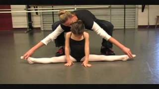 getlinkyoutube.com-5 year old Kaylee doing Classical Ballet dance (Russian Ballet trained) Level 1/2