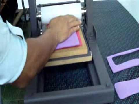 Maquina para fazer chinelos