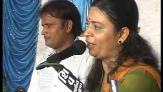 getlinkyoutube.com-Urvashi radadiya best  lagan geet tared dayro