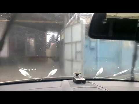 Расположение бачка омывателя стекол в Opel Зафира Турер