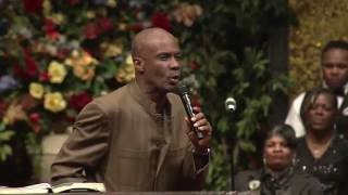 getlinkyoutube.com-Bishop Noel Jones I'm Not Built To Break West Angeles COGIC HD!