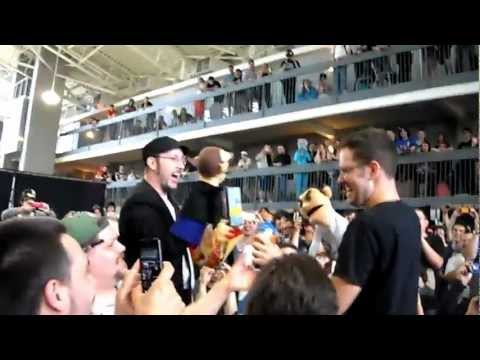 AVGN vs Nostalgia Critic - The Puppet Battle (ConBravo 2012)