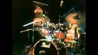 getlinkyoutube.com-Eduarda Henklein (5 Anos), Girls on Drums Florianopolis..cover Guns N' Roses - Welcome To The Jungle