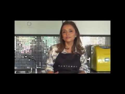 Gourmet - Macarrão ao molho de dois frangos por Angela Diniz