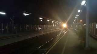 getlinkyoutube.com-Kereta Api Air Mineral Aqua melintas langsung stasiun Pasar Minggu Baru