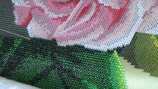 getlinkyoutube.com-Процесс вышивки бисером на станке + болталка
