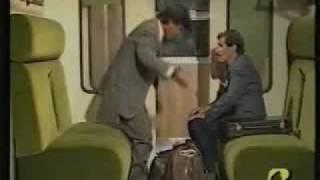 getlinkyoutube.com-scocciatore in treno