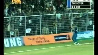 getlinkyoutube.com-Sachin 68 Sehwag 51 vs England 2001/02