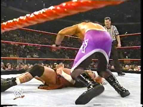 Raven vs. Aaron Stevens - Heat, November 24 2002