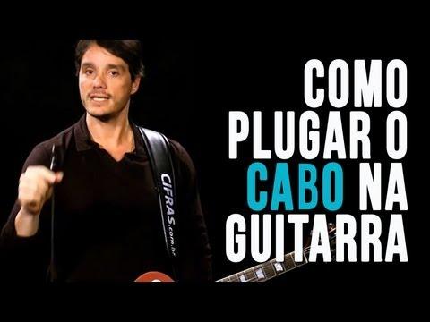 Como plugar o cabo na guitarra