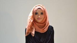 getlinkyoutube.com-Hijab Tutorial Style 56 by Puteri Hasanah Karunia