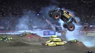 getlinkyoutube.com-Monster jam Crash, Save and Big air