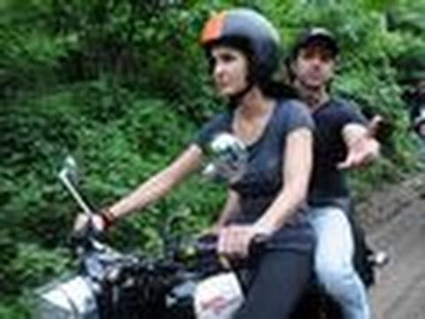 Katrina Kaif takes Hrithik Roshan for a Bike Ride -80ZS4ZAGevE