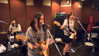 getlinkyoutube.com-ChelsyがDOLL/SCANDAL 演奏してみた